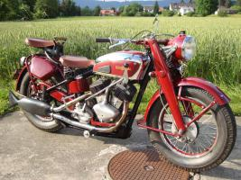 Schweizer Motorrad Oldtimer Universal V1000