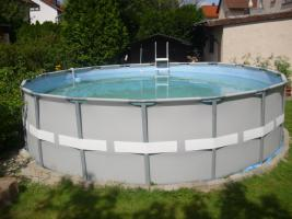 Schwimming-Pool
