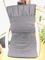 Foto 2 Schwingsessel in schwarz mit Fußteil
