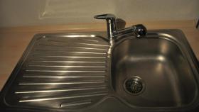 Foto 4 Sehr gepflegte Einbauk�che mit Elektroger�ten in sch�ner Optik, 2 K�chenzeilen