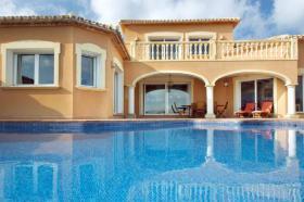 Foto 2 Sehr geräumige Villa mit Panoramablick in Denia an der Costa Blanca