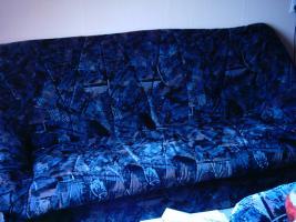 Foto 2 Sehr gut Erhalten Couchgarnietur 3-Sitzer,2-Sitzer, und 1 Sessel, zwei Kissen