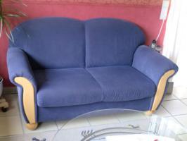 Foto 2 Sehr gut erhaltene 2er Couch mit Sessel zu verkaufen