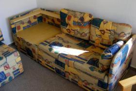 Foto 2 Sehr gut erhaltene Eckcouch (mit Schlaffunktion) + Sessel