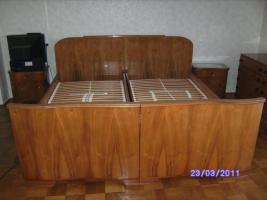 Foto 2 Sehr gut erhaltenes altes Schlafzimmer
