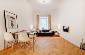 Sehr helle und sonnige möblierte Wohnung in sehr guter ,  (Wohnung mit 3.0 Zimmern)