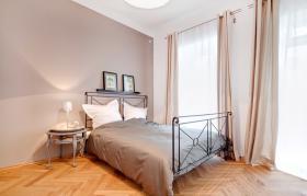 Foto 4 Sehr helle und sonnige möblierte Wohnung in sehr guter ,  (Wohnung mit 3.0 Zimmern)