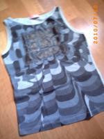 Sehr schön bedrucktes T-Shirt in Blautönen, Gr. S