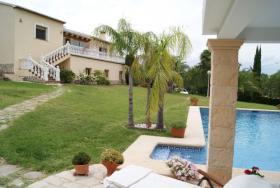 Sehr schöne Villa mit großzügigen Räumen in Pedreguer
