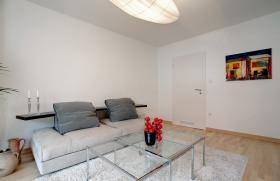 Foto 2 Sehr schöne möblierte 3-Zimmer Wohnung , mit sehr schöner großer Wohnküche und Balkon.