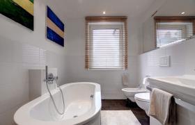 Foto 7 Sehr schöne möblierte 3-Zimmer Wohnung , mit sehr schöner großer Wohnküche und Balkon.