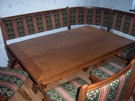 Foto 2 Sehr schöne, massive Eckbank, komplett mit Tisch und Stühle