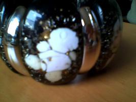 Sehr schöner Armband, Neu, schwarz-weiß-gold, modeschmuck