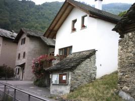Foto 2 Sehr sch�nes Ferienhaus in den Tessiner Bergen