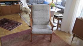 Foto 4 Sessel mit Fußhocker