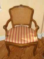 Sessel mit Korbgeflecht