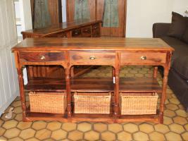 Foto 4 Sessel Sofa Couch Couchtisch Stühle Esstisch Tisch Kommode Schrank Bar