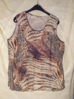 Shirt mit modernem Design Gr. 42