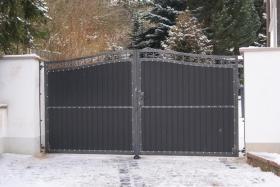 sichtschutz metall zaun doppelstabmatte z une aus polen in berlin. Black Bedroom Furniture Sets. Home Design Ideas