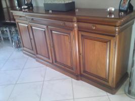 Sideboard, mit rundem Tisch , 4 Stühle
