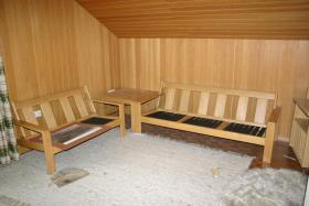 Foto 2 Sitzecke mit Beistelltisch und großem Tisch abzugeben
