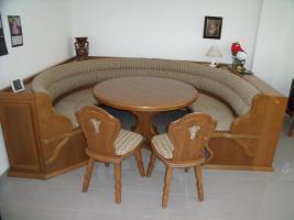 foto 2 sitzecke rund mit passendem tisch