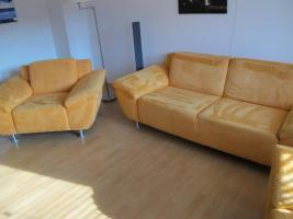 Foto 2 Sitzgarnitur 3 Sitzer und 2 Sessel