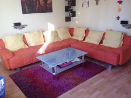 Sitzgarnitur inkl. Tisch und Teppich