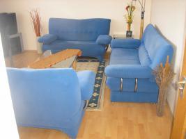 Foto 5 Sitzgruppe - 3 und 2 Sitzer Couch und Sessel in Blau