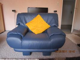 Foto 2 Sitzgruppe, Sessel, 2- Sitzer und 3- Sitzer