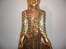 Foto 4 __Skulptur__Therorada___Buddhismus__mit Blattgold__Handgeschnitzt