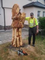 Foto 2 Skulpturen aus Holz
