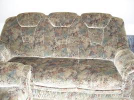 Sofa-2 Sitzer und 3 Sitzer und 1-Sessel und 2 Kissen