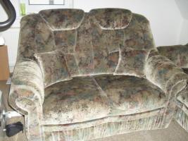 Foto 2 Sofa-2 Sitzer und 3 Sitzer und 1-Sessel und 2 Kissen
