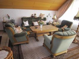 Sofa und 3 Sessel