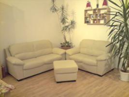 Sofa ''3er'' ''2er'' und Hocker **Kunstleder** beige/creme/stein **wie neu**