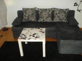 Sofa/Couch mit Bettfunktion von OTTO mit passendem Beistelltisch