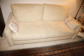 Sofa Couch Schlafsofa Schlafcouch creme beige sehr gut erhalten neuwertig mit 2 Kissen