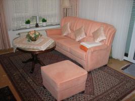 Sofa und Ottomanen