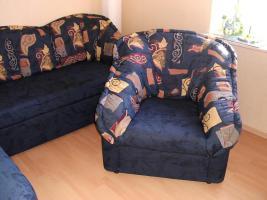 Sofa mit Schlaffunktion und Sessel