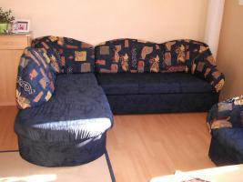 Foto 2 Sofa mit Schlaffunktion und Sessel
