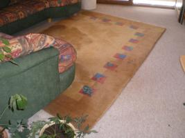 Foto 2 Sofa und Teppich zu verkaufen