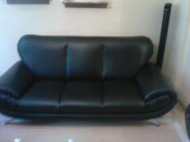 Foto 2 Sofa  1. 2. 3 und Anbauwand und ein Glastisch