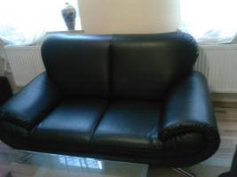 Foto 3 Sofa  1. 2. 3 und Anbauwand und ein Glastisch
