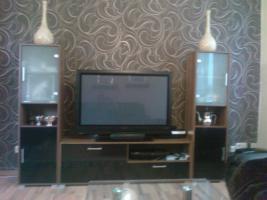Foto 6 Sofa  1. 2. 3 und Anbauwand und ein Glastisch