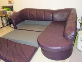 Foto 2 Sofa, Kunstleder, guter Zustand, bordeaux/dunkelrot/Schlaffunktion