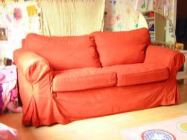 Sofas, 2 Stück, rot, edler Bezug