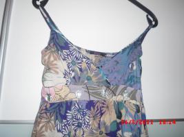Foto 2 Sommerkleid Lang blumenmuster unter Brustbereich mit steinen verziert grösse 36 (S)