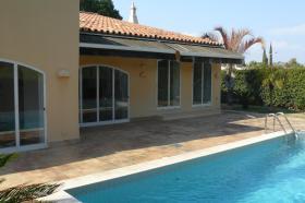 Sonderpreis, Villa mit Pool, direkt am Golfplatz, 10 min. zum Strand, hohe Qualität, sehr gepflegt