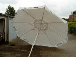 Sonnen, Regenschirm von Veltins 4 m rund